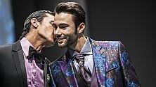 Fiori e seta  Foto   /   Video    gli abiti per le nozze gay