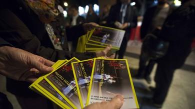 Opera, la protesta degli orchestrali  sul red carpet del Festival del Film  Foto