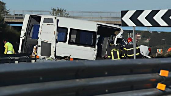 Ultime Notizie: Incidente sulla A1 vicino a Roma: sei morti e quattro feriti