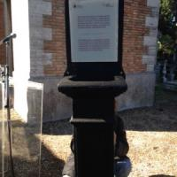 """Verano, una targa sulla tomba di Rossellini: """"Da qui il regista dirigeva"""