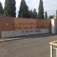 Trentacinque anni fa la morte di Paparelli, al Verano scritte contro il tifoso laziale