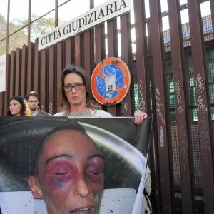 """Caso Cucchi, medico legale querela Ilaria. Che replica: """"Così noi familiari unici condannati"""""""