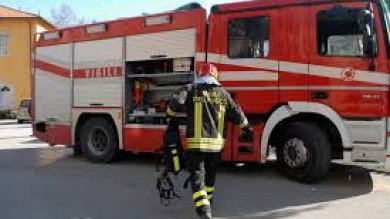 Esplosione in una villa per una fuga di gas vicino Roma: tre feriti