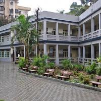 Mercatino di beneficenza per l'ospedale di Mumbai