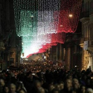 Addobbi Natalizi Roma.Roma Si Illumina Per Natale Dal Centro Alla Periferia Arrivano Luminarie E Abeti La Repubblica