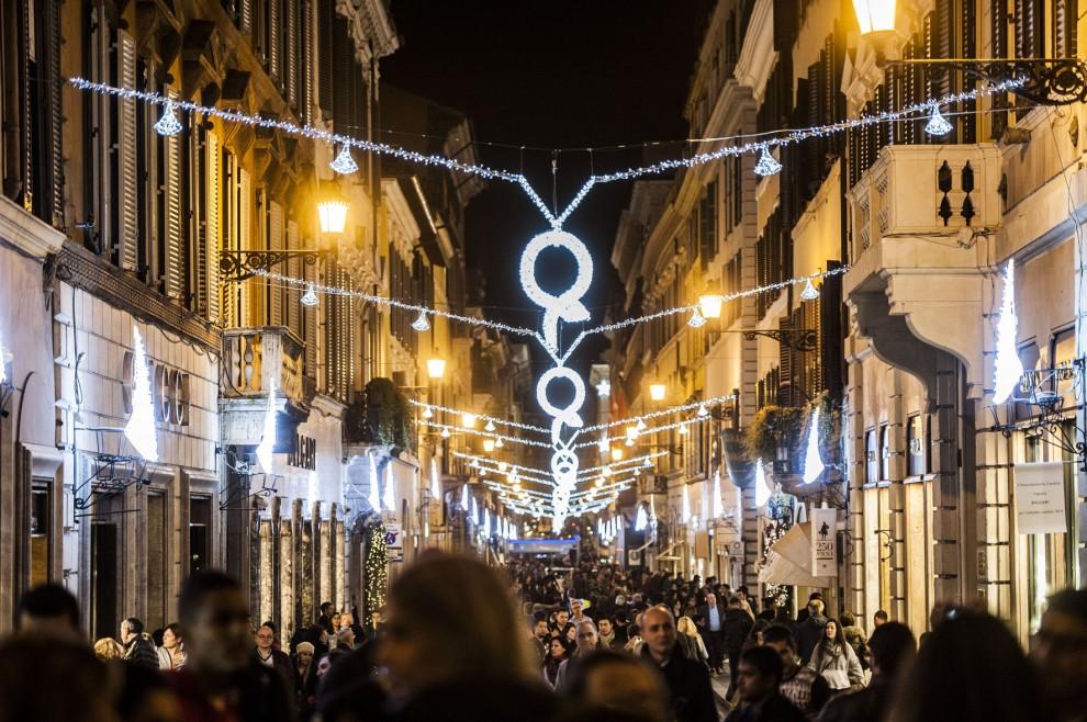 44338b8a6f5b0 Le luci di via Condotti accendono il Natale - 1 di 1 - Roma ...