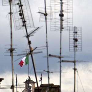 """A Roma un milione di antenne,è lo skyline della """"Grande bruttezza"""""""