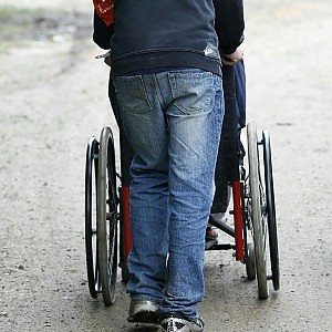 """Sedie a rotelle e montascale a casa: """"Potete buttarli ..."""
