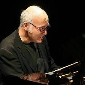 """In a time laps"" di Einaudi all'Auditorium. Gag e risate con 'Gatta ci cova' alla Sala Umberto"