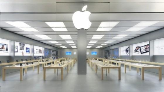Euroma2, violato il tempio Applestore banda di ragazzini ruba gli iPhone