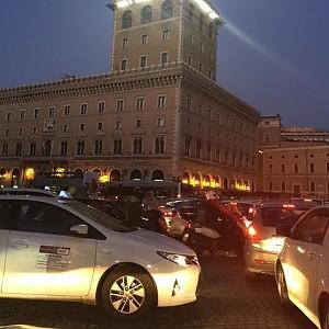 "Mancano i vigili, traffico ancora in tilt: ""Prove di caos per l'Epifania"""
