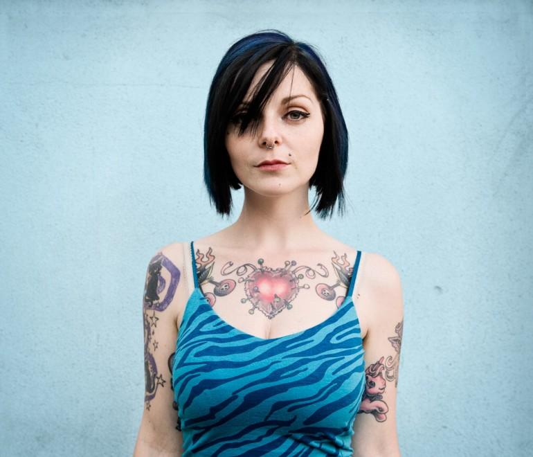 Donne e tatuaggi, la tribù dei segni