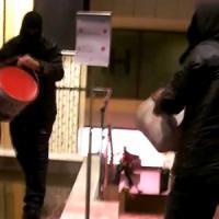 """""""No Lega Nord"""", blitz con vernice in un hotel a Roma"""