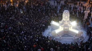 Inaugurata la nuova piazza Testaccio    Foto    torna la fontana delle Anfore    Video 1   -   2