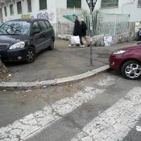 """Codacons: """"Multa annullata a disabile per parcheggio sul marciapiede"""""""