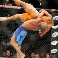 Lotta e boxe, una serata dedicata al combattimento alla Invictus Academy