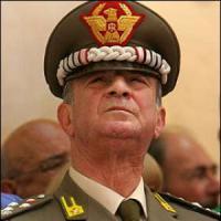Legato e rapinato in casa a Roma ex comandante della Gdf Speciale
