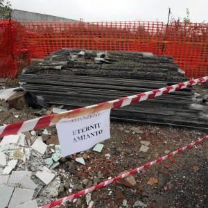 """Amianto, l'allarme di Legambiente: """"Nel Lazio è allarme tumori. Serve una legge"""""""