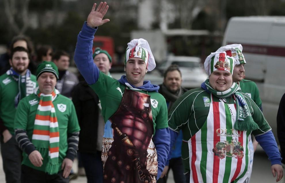 Rugby, all'Olimpico la festa dei supporter italiani e irlandesi