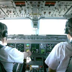 Cassintegrati in Italia lavoravano per compagnie estere: denunciati 36 piloti di aerei