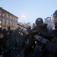 """Movimenti """"anti-Salvini"""", tensioni in piazza del Popolo: area chiusa e traffico in tilt...."""