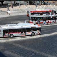 Roma, investito e ucciso a 20 anni in piazza Venezia da un bus che non si ferma e...