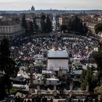 Renzi a casa: la manifestazione di Salvini vista dall'alto