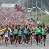 In sedicimila per la mezza maratona Roma-Ostia