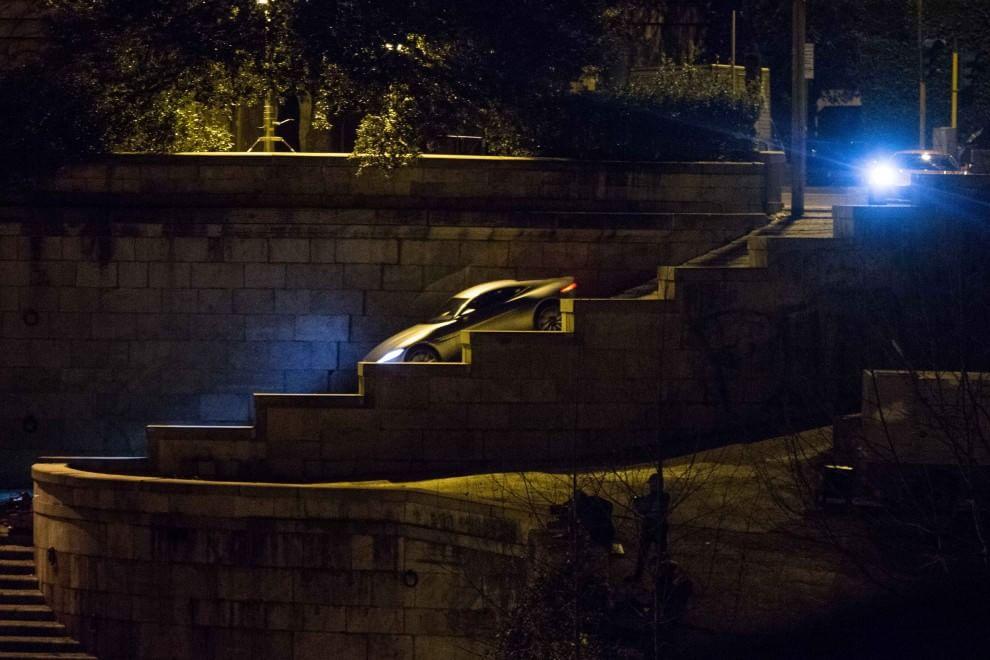 007, per la Aston Martin di James Bond inseguimento sulla scalinata del Lungotevere