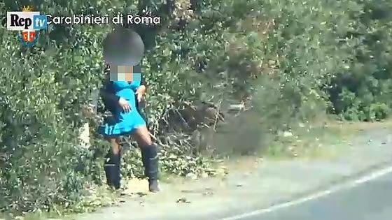 Costretti a prendere ormoni e a operarsi. Tratta di esseri umani tra Argentina e Italia: 11 arresti