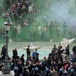Scontri piazza di Spagna, arrestati sette ultrà del Feyenoord