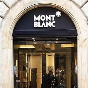 via condotti ruba nella boutique montblanc orologio da 30 mila euro. Black Bedroom Furniture Sets. Home Design Ideas