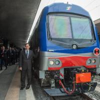 Trasporti, Zingaretti consegna un nuovo treno Vivalto per i pendolari