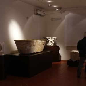 Statue e antichi monili, apre l'Antiquarium di Lucrezia Romana: nuovo museo in periferia
