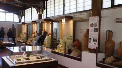 Statue e antichi monili, vicino al Gra    Foto    apre l'Antiquarium di Lucrezia Romana