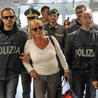 Truffa ai vip, Bruna Giri a Fiumicino: espulsa dalla Repubblica Dominicana