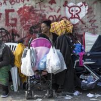La Rustica, tensione tra vigili e rom: la Procura valuta apertura di un'inchiesta