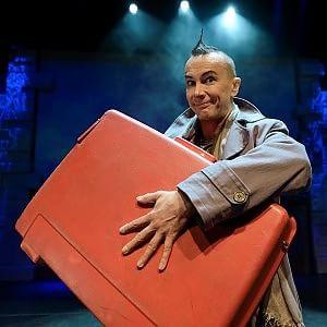 La sorpresa di Brachetti è una valigia di metamorfosi