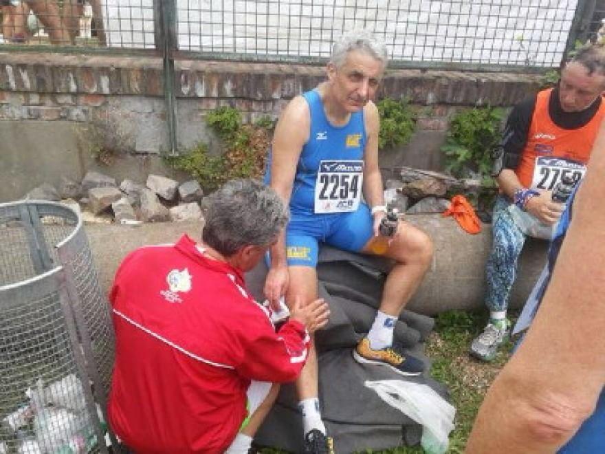 Appia Run, il senatore Quagliariello cade ma conclude la gara
