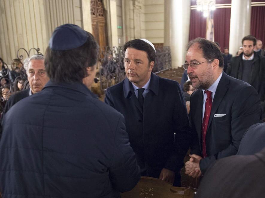 """Addio a Elio Toaff, il premier Renzi al Tempio Maggiore di Roma: """"E' stato un grande italiano"""""""
