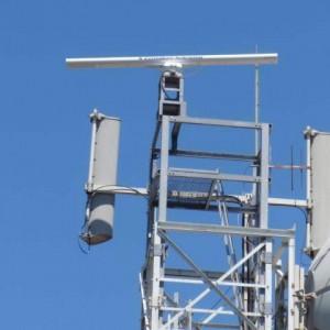 Elettrosmog, stop alle antenne per i telefonini sui tetti di scuole e ospedali