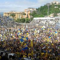 Il Frosinone batte il Crotone e conquista la Serie A