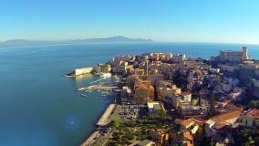 Gaeta, tra storia e leggende il borgo sul mare visto dal drone  Video