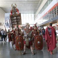 Centurioni, ancelle e imperatori: gli antichi romani in treno alla conquista dell'Expo