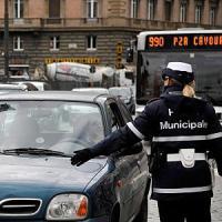 Aurelio, rugbista multato aggredisce tre agenti