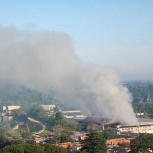 A fuoco l'impianto Ama di via Salaria: tanto fumo ma nessun ferito