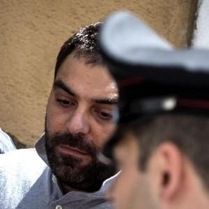 """Mafia capitale: 44 nuovi arresti, anche nel centrodestra e centrosinistra. Pd sott'accusa, """"ma Marino baluardo di legalità"""""""