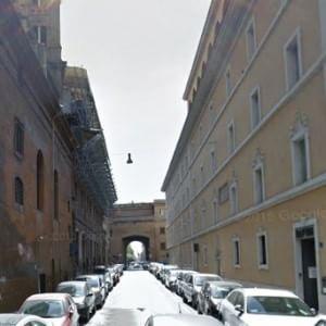 Vaticano, Papa Francesco apre un dormitorio per i senzatetto