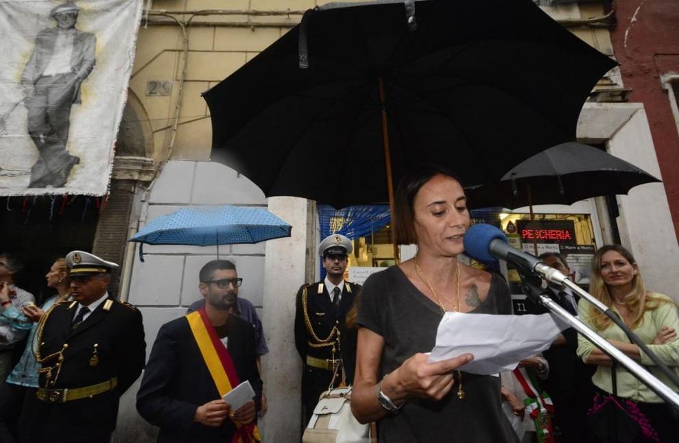 Targa in memoria di Mario Monicelli al Rione Monti