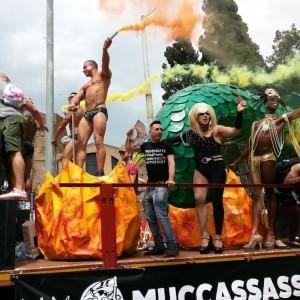 """Pride Roma, oggi è il """"Family Gay': in centro la parata dei diritti omosessuali"""